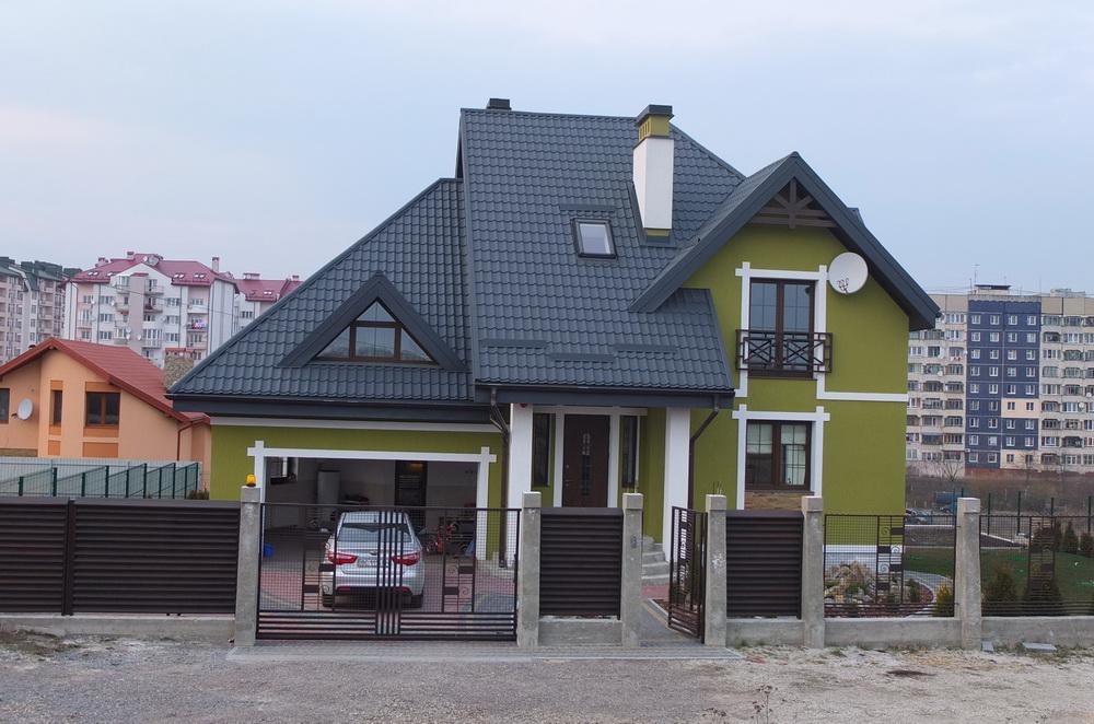 Житловий будинок в с. Зубра біля Львова