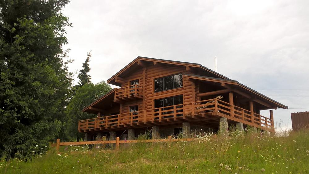 Будинок з видом на Чорногору