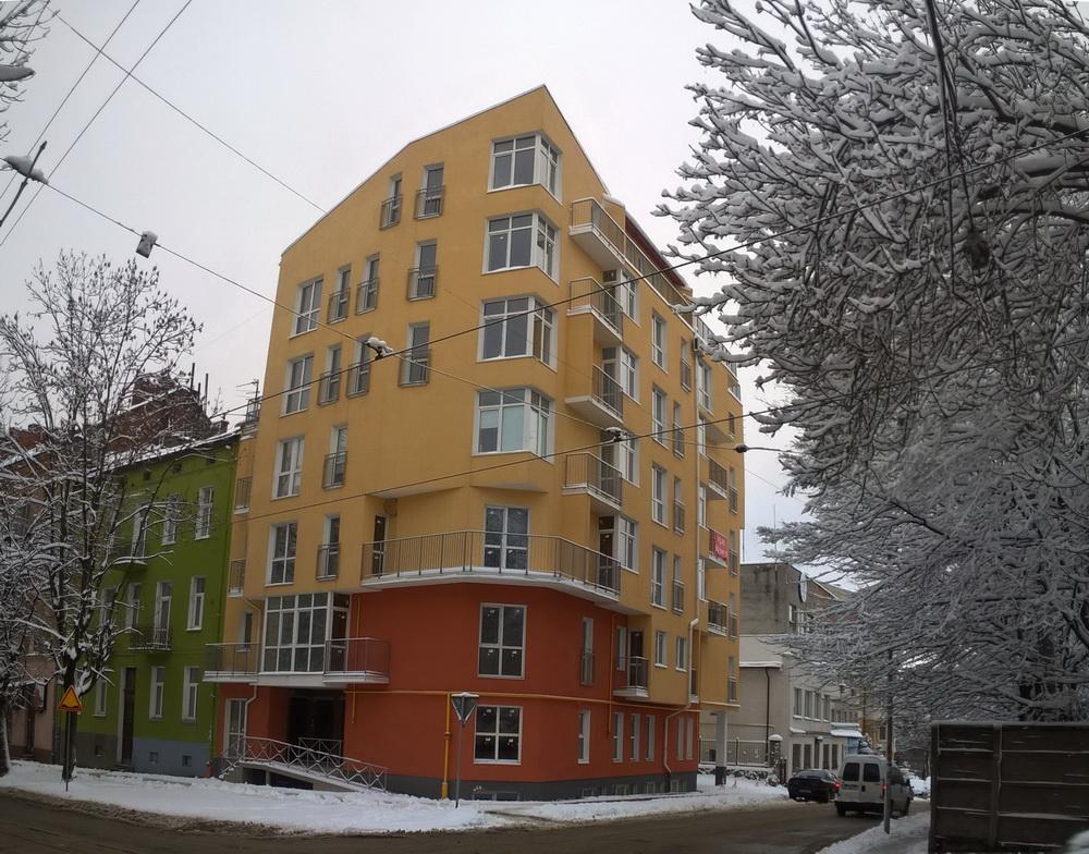 Багатоквартирне житло на вул. Юнаківа